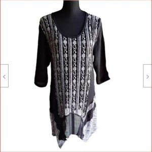 Firmianality Womens XL Black & Gray Lace Tunic Top